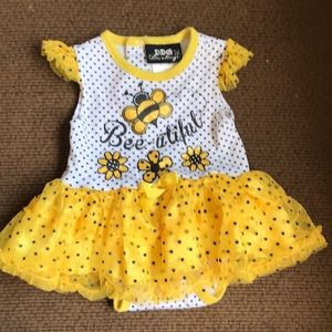 💕5 for $20. Onesie with attached tutu